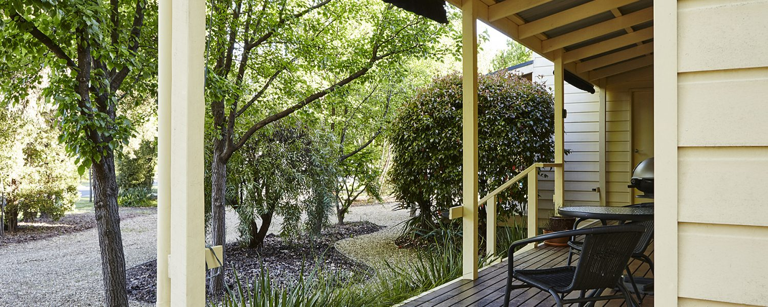 Alpine Valley Cottage 2 verandah